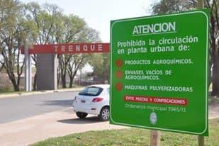 Colocan cartelería sobre agroquímicos en los accesos a la ciudad