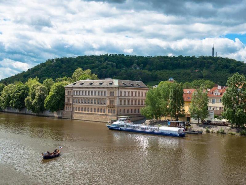 Czech-Boat-Tres-Bohemes