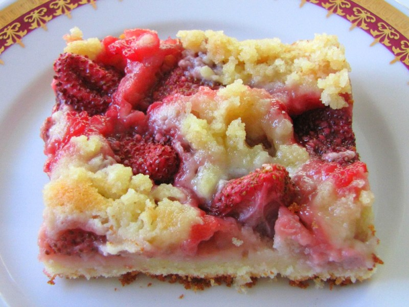 Strawberry-Crumble-Cake-Czech