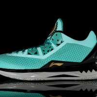 """In-Hand Sneaker Review: Way Of Wade 4 """"Liberty"""" (Video)"""