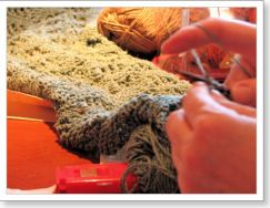 Rhoda is knitting the Midwest Moonlight scarf from Scarf Style