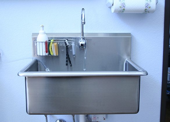 Exceptional Veterinary Surgical Scrub Sink Options