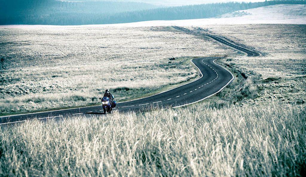2011_triumph_sprint_gt_1050_17