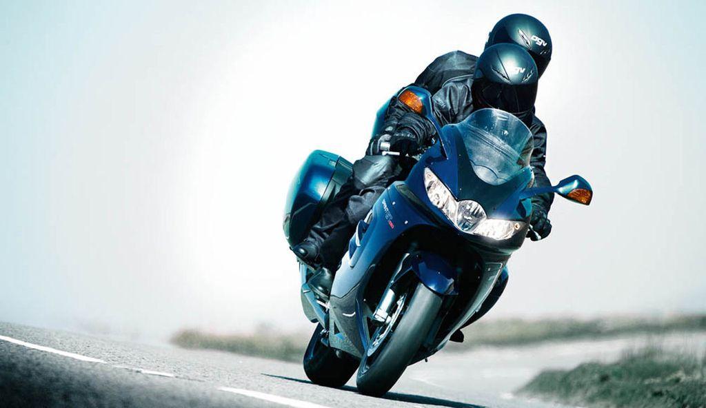 2011_triumph_sprint_gt_1050_19