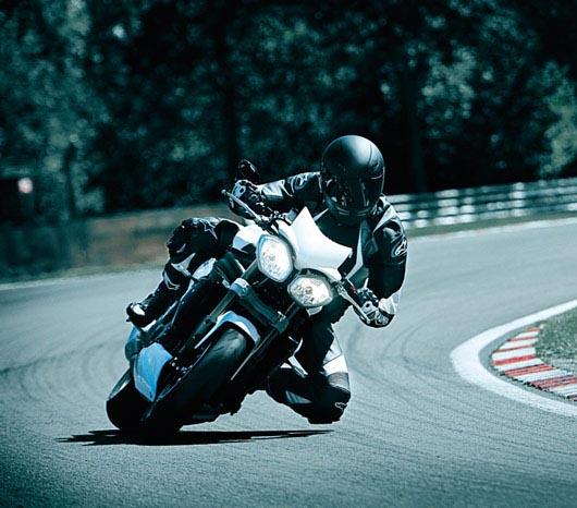 triumph-speed-triple-1050-2011-3