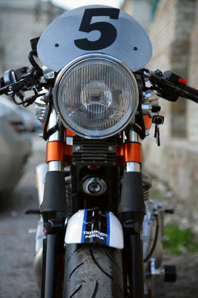 Triumph Thruxton by De Caesar Race Components 14