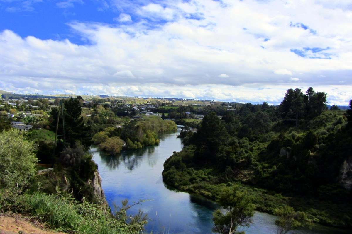 Taupo, NZ: Hot Springs and Huka Falls