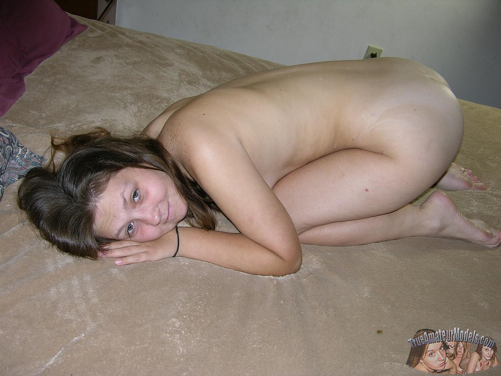 naked farm girls