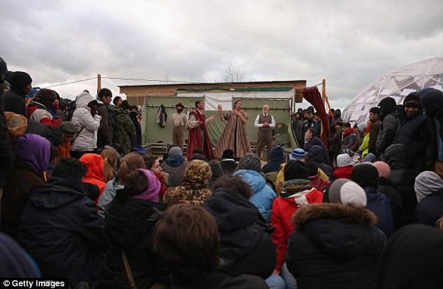 Globe-Theatre-Refugees (2)