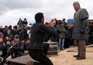 Globe-Theatre-Refugees (4)