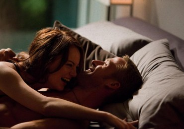still-of-ryan-gosling-and-emma-stone-in-crazy-stupid-love-2011-large-picture