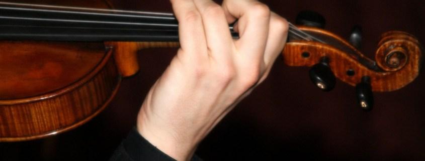 triple scotch wedding ceilidh band fiddle 2