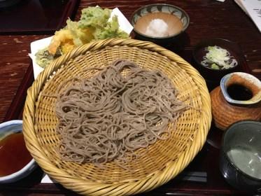 そばきり みよ田 〜 松本市中心部にある 旨い蕎麦屋!ボリューム満点天ぷらそばが美味かった!!  [2016年4月 長野旅行記 17]
