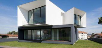 Moderna casa modular minimalista en San Roque