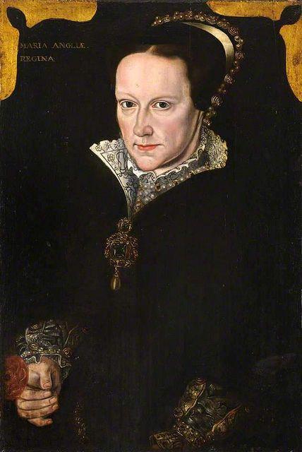 Portraits of a Queen: ...