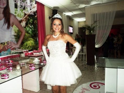 foto debutante Rafaela Raquel 22.3.14