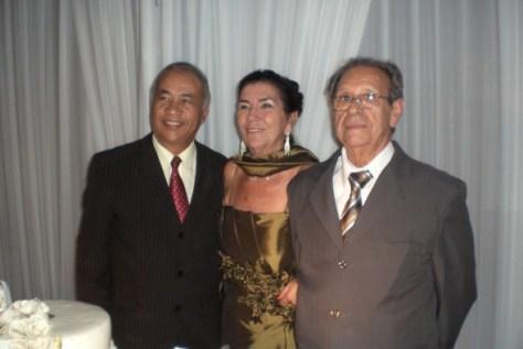 Casal Milton e Neuza na celebração de BODAS DE OURO.