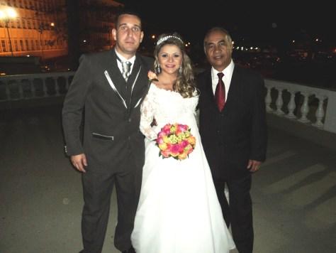 Foto boa de tulio com casal Vinicius e Josy no CMPV