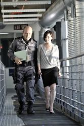 Flashpoint - Sgt. Gregory Parker (Enrico Colantoni) and Dr. Amanda Luria (Ruth Marshall)
