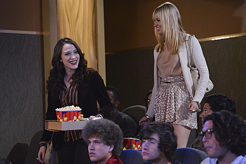 2 Broke Girls Season 2 Episode 3 And the Hold-Up (3)