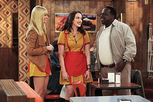 2 Broke Girls Season 2 Episode 5 And The Pre-Approved Credit Card (9)