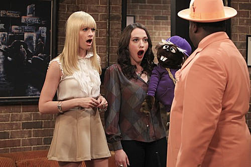 2 Broke Girls Season 2 Episode 5 And The Pre-Approved Credit Card (6)