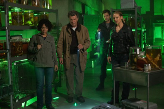 Fringe Season 5 Episode 7 Five-Twenty-Ten (7)