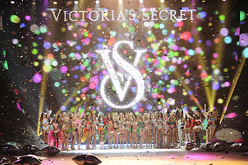 THE VICTORIA'S SECRET FASHION SHOW 2012 (1)