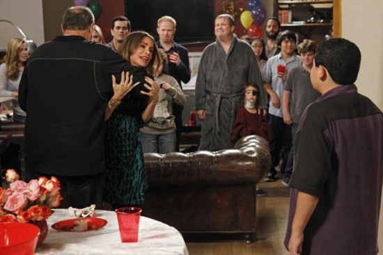 Modern Family Season 4 Episode 12 Party Crasher (6)
