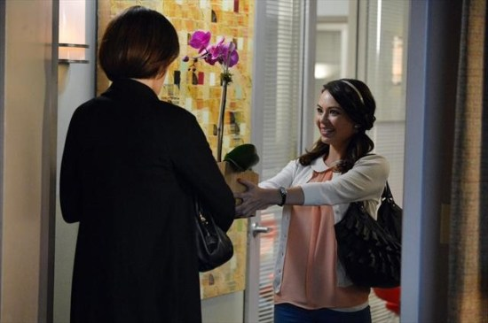 Pretty Little Liars Season 3 Episode 18 Dead to Me (12)