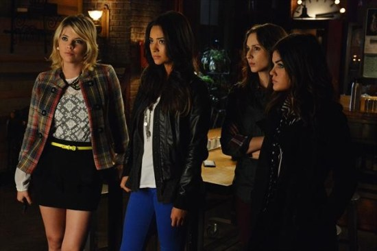 Pretty Little Liars Season 3 Episode 20 Hot Water (10)