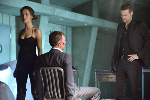 Nikita Season 3 Episode 12 With Fire (9)