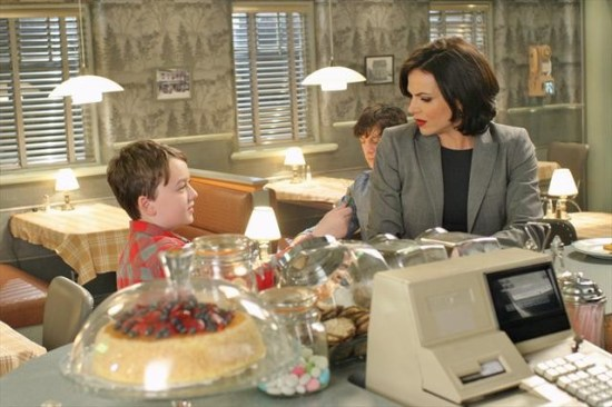 Once Upon a Time Season 2 Episode 17 Welcome to Storybrooke (1)