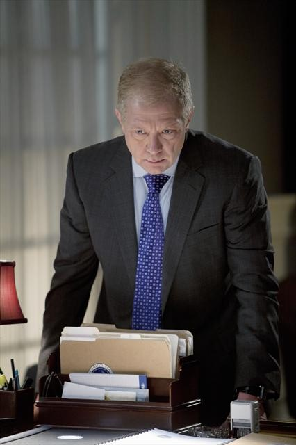 Scandal Season 2 Episode 16 Top of the Hour (3)