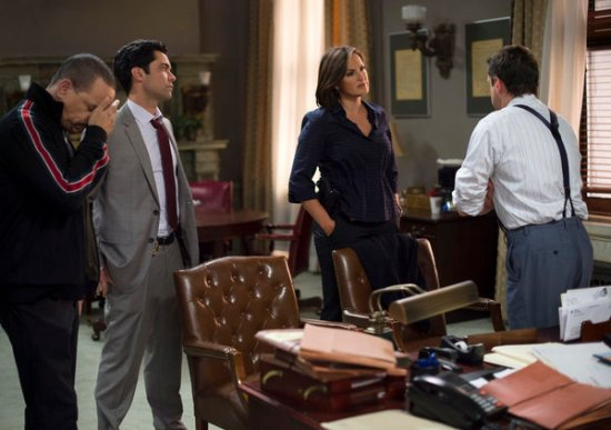 Law & Order: SVU Season 15 Episode 3 American Tragedy (6)