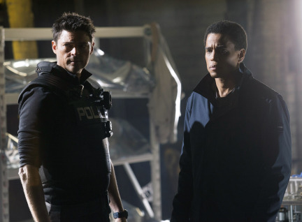Almost Human Season 1 Episode 9 Unbound (11)