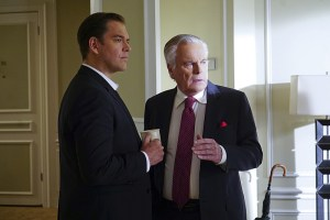 """Reasonable Doubts"" -- Anthony DiNozzo, Sr. (Robert Wagner, right) helps a homeless woman who believes he is her father, on NCIS, Tuesday, March 22 (8:00-9:00 PM, ET/PT), on the CBS Television Network. Pictured left to right: Michael Weatherly and Robert Wagner Photo: Monty Brinton/CBS ©2016 CBS Broadcasting, Inc. All Rights Reserved"