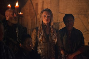 "The 100 -- ""Bitter Harvest"" -- Image HU306b_0109 -- Pictured: Eliza Taylor as Clarke -- Credit: Diyah Pera/The CW -- © 2016 The CW Network, LLC. All Rights Reserved"