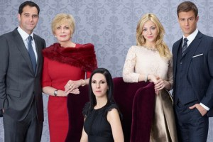 ODD MOM OUT -- Season:1 -- Pictured: (l-r) Andy Buckley as Andy, Joanna Cassidy as Candace, Jill Kargman as Jill, Abby Elliott as Brooke, Sean Kleier as Lex -- (Photo by: Matt Hoyle/Bravo)