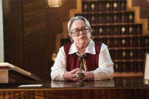 "AMERICAN HORROR STORY -- ""Checking In"" Episode 501 (Airs Wednesday, October 7, 10:00 pm/ep) Pictured: Kathy Bates as Iris. CR: Suzanne Tenner/FX"