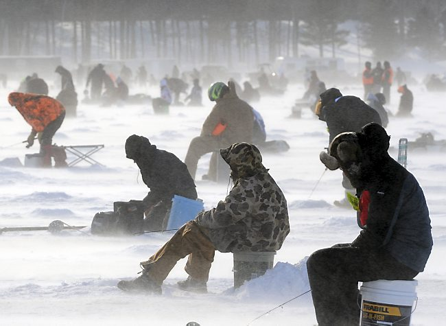 Big brainerd benefit ice fishing contest delayed twin cities for Ice fishing tournaments mn