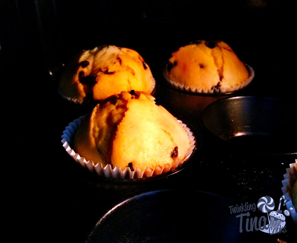 chocolate-chip-muffins-cupcake-recipe-easy-muffin-recipe-best-ever-moist-chocolate-muffin9