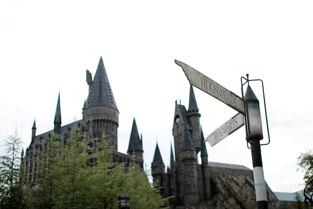 hogwarts sign Two Delighted