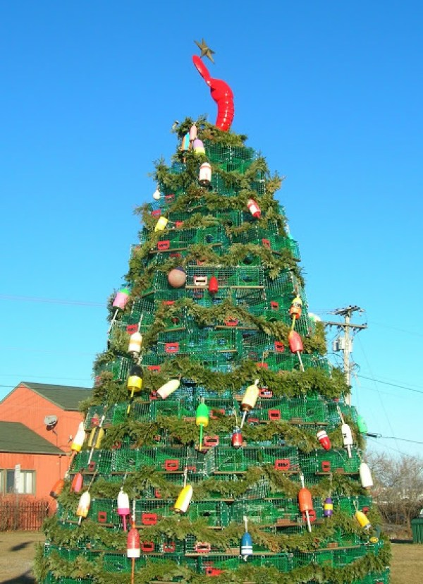 Lobster box christmas tree via You The Designer