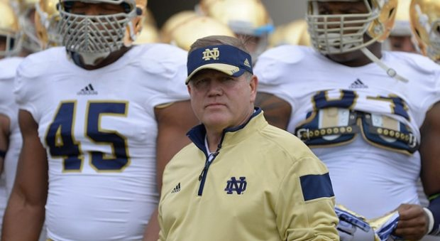 Notre Dame Fighting Irish head coach Brian Kelly waits with his players to enter on to the field in action during the Notre Dame Fighting Irish Spring Game, at Notre Dame Stadium, in South Bend, IN. (Photo: Robin Alam / IconSMI)