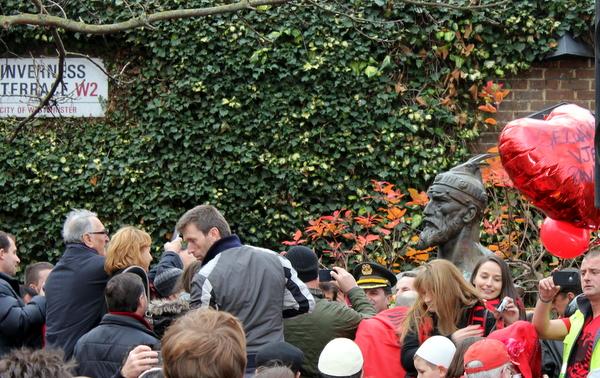 Zbulimi i bustit te Skenderbeut ne Londer me 28 nentor 2012