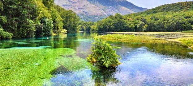 The lake at the Blue Eye spring (Tomasz Lisowski, Adventurous Travels)