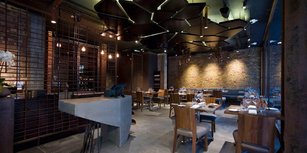 Another slick interior in the heart of London by renowned Albanian architect Perparim Rama.