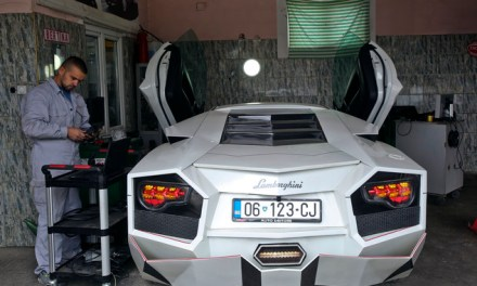 Daily Mail: An Albanian sports car enthusiast builds a Lamborghini replica