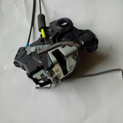 toyota Prius C rt frt door latch